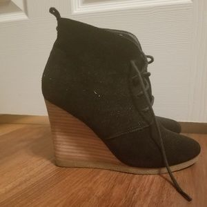 Steve Madden lace up, wedge bootie
